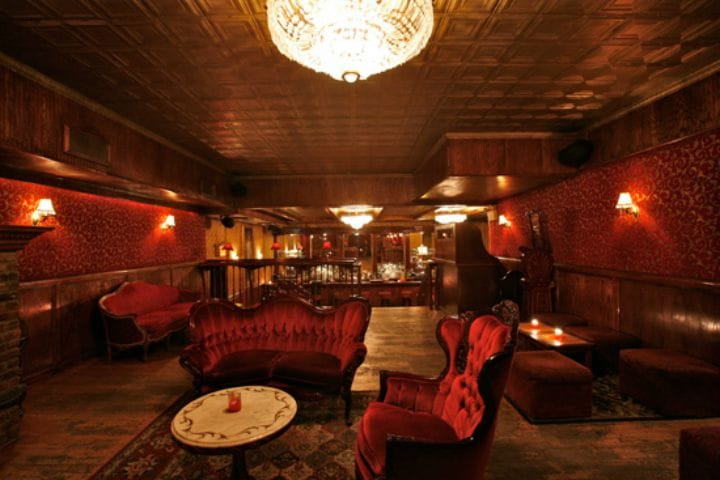 the-backroom-bar-new-york-bar-insolite-prohibition-1